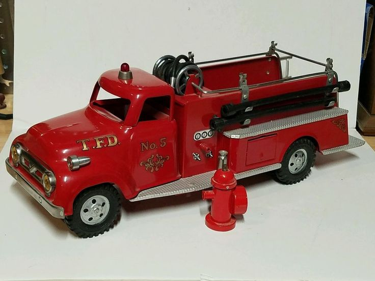 Hello, up for sale is very nice Tonka fire truck made in the 1950s, it's nicely restored and I'm sure it will look great in your collection, fire hydrant is marked tonka but it's missing the wrench, I believe the rest is complete and looks like the most of original parts are used on it, but I'm not 100% sure about few parts such as hose and ladder , truck was very dusty and I clean it up a little bit with dump cloth but it might need some more cleaning, bright colors and nice ...