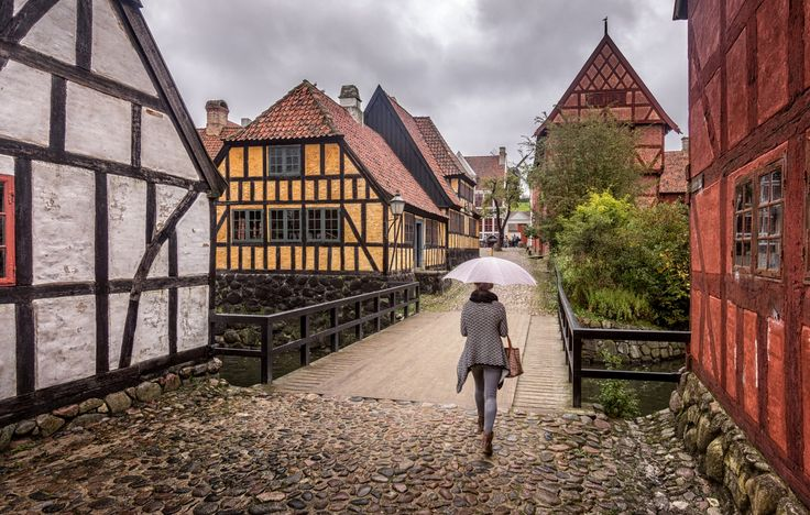 Photo Stroll through the Old Town par Patrick Asselin on 500px