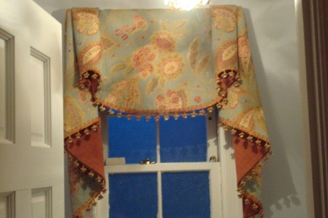 Shade curtain shutter arrangement idea in traditional - Swag valances for bathroom windows ...