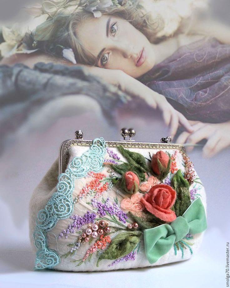 """Купить сумочка """"Мохитовая шкатулка"""" - мятный, коралловый, коралловые розы, букет роз, Валяние"""
