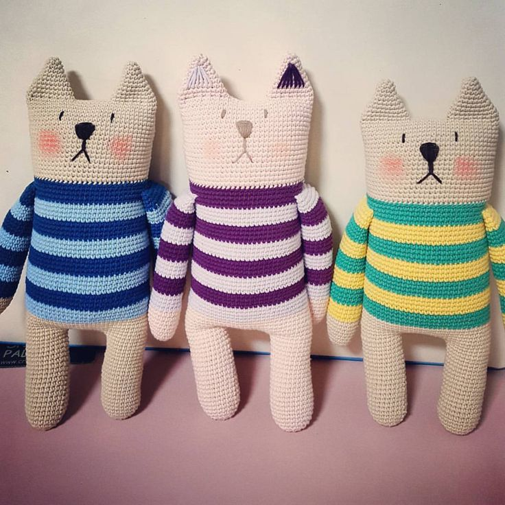 "10 Likes, 2 Comments - 윤선미 (@beautimi.yoon) on Instagram: ""#geoje #crochet doll #TRE FRATELLI"""
