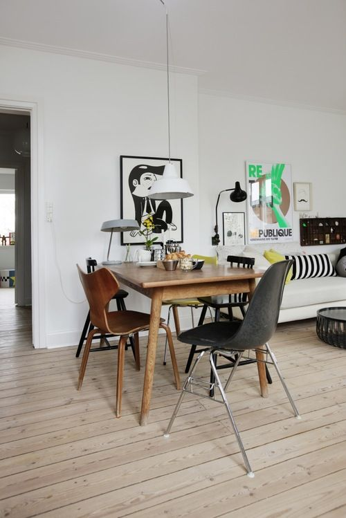 .: Dining Rooms, Mismatched Chairs, Danishes Interiors, Dining Chairs, Kitchens Tables, Interiors Design, Black White, Mixed Matching, Dining Tables