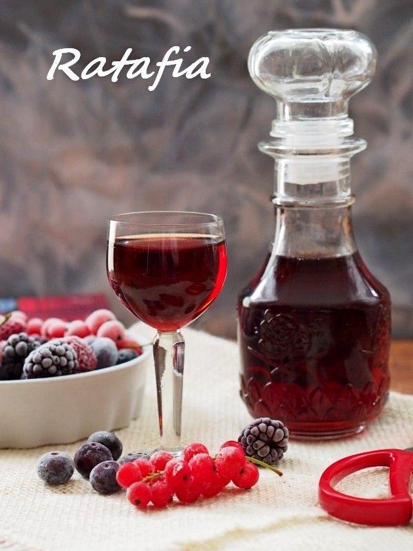 Kulinarne Szaleństwa Margarytki: Ratafia czyli nalewka tutti – frutti
