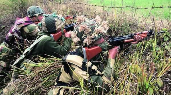 Pakistan violates ceasefire, targets Indian posts - http://thehawk.in/news/pakistan-violates-ceasefire-targets-indian-posts/