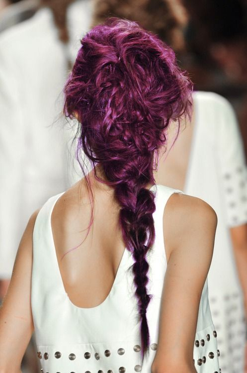 Without a doubt, the Cheshire Cat is uniquely insane, like this hairstyle. This atypical layered braid is enough to catch sore eyes, but what about it's color? The use of a purple ombre ideally reflects the Cat's domineering color. The use of a tied-back hairdo will also allow the Cat's extraordinary makeup to be in focus. Surely, the audience will not take their eyes off the Cheshire Cat!
