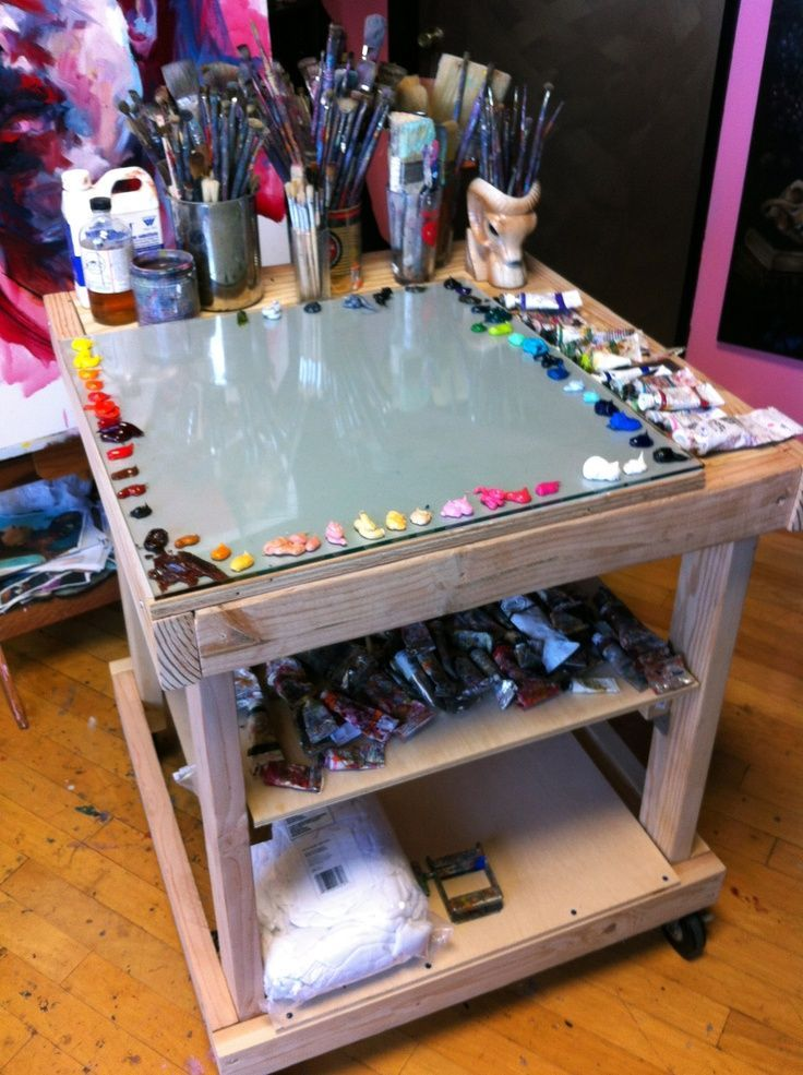 Yes, the glass work surface