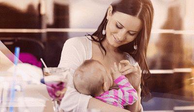 Μη κατάλληλες οι εναλλακτικές «λύσεις» ώστε να μην θηλάζει η μαμά δημόσια