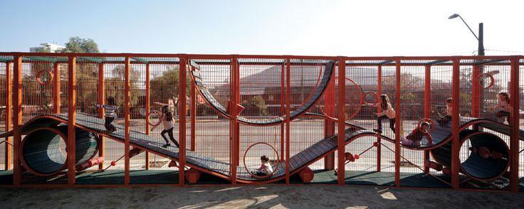 alejandro aravena recibe el premio pritzker parque de la infancia