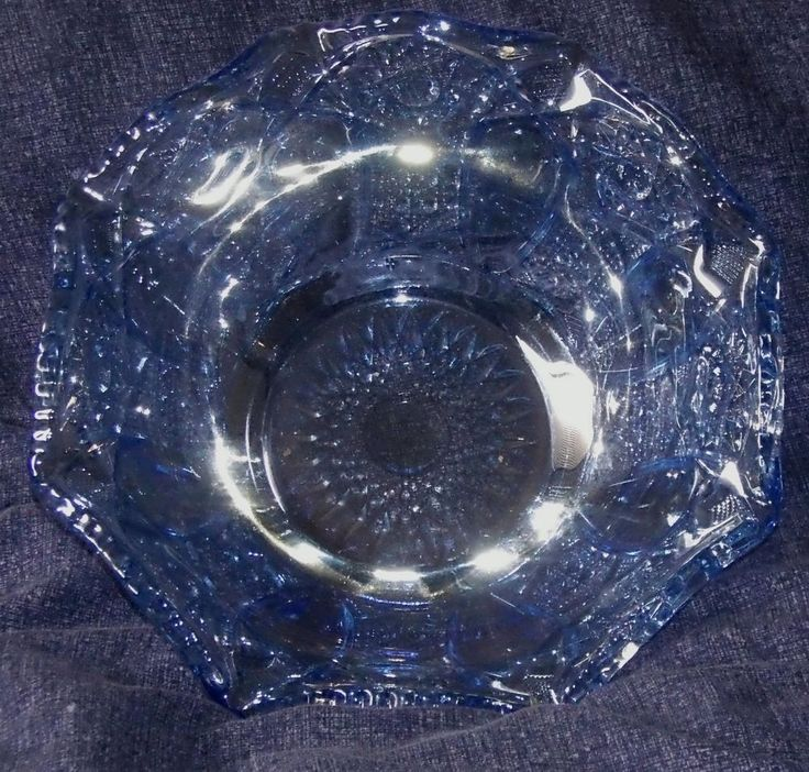 "QUINTEC Light Blue Carnival by Smith Glass 8"" Crimped Round Bowl Iridescent"