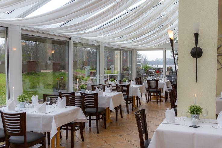 """In unserem Restaurant """"Albatros"""" starten Sie rundum gut versorgt in den Tag. Unser reichhaltiges Frühstücksbuffet verwöhnt Sie mit einer Vielzahl saisonaler Köstlichkeiten."""