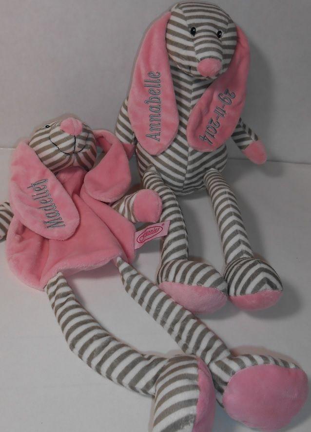 tut knuffel en tutdoek roze. http://www.borduurkoning.nl/shop/baby_artikelen/knuffel/tutknuffel_grijs.html