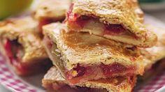 Пироги с яблоками (или, как их называют в англоговорящих странах, яблочный пай) будут есть всегда и везде - это вкусно, как правило, быстро и недорого, а к тому же - красиво.