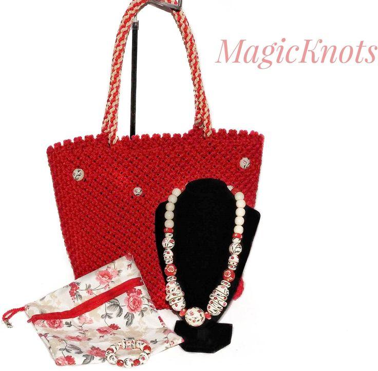 Macrame bags https://www.youtube.com/watch?v=OifE9lbdjNA&t=2s