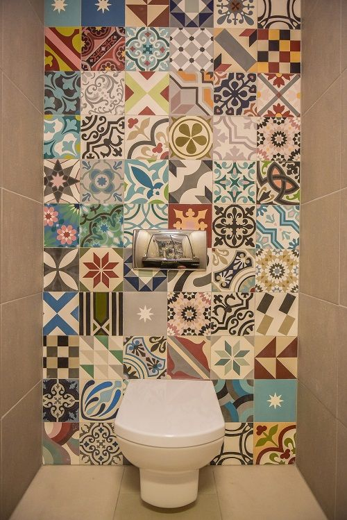 Patchwork bathroom tiles | KiwiStudio | Design contemporan si New Scandinavian pentru apartament mare