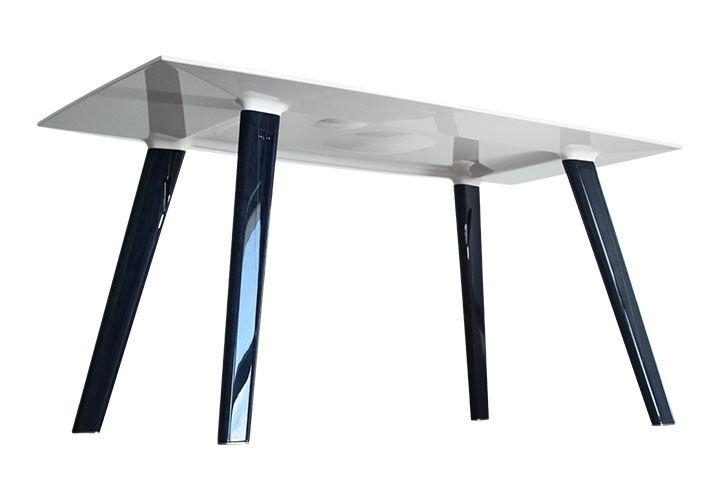 Design table - PĀTANGUE design holes under view
