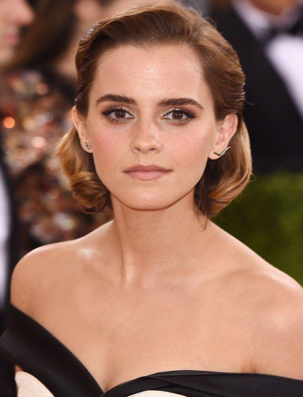 Emma Watson | Met Gala 2016 Makeup Breakdown, check it out at http://makeuptutorials.com/met-gala-2016-makeup-tutorials/