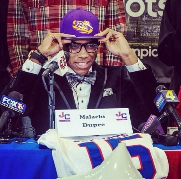No. 1 WR in the country, Malachi Dupre signs with LSU ~ Check this out too ~ RollTideWarEagle.com sports stories that inform and entertain. Plus Train Deck FREE online football tutorial to learn the rules of the game you love, #Collegefootball #LSU