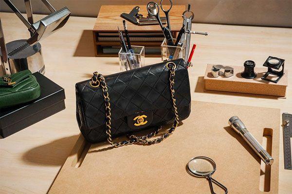 Todo lo que debes saber antes de comprar un bolso 'vintage' Más rentable que el oro, más seguro que los 'bitcoins'. Si vas a invertir en tu armario, que sea así..http://www.elbolsoperfecto.com/ 😘 El Bolso Perfecto - Bolsos para mujeres - #Moda #Mujeres #Bolsos #Elbolsoperfecto #Rebajas #Oferta