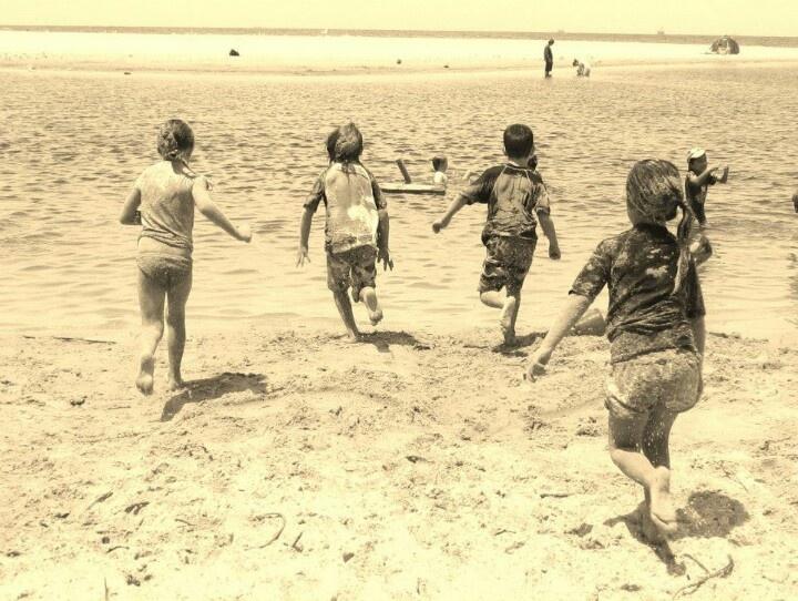 Aussie Beach Kids. Stuart Park, North Wollongong NSW
