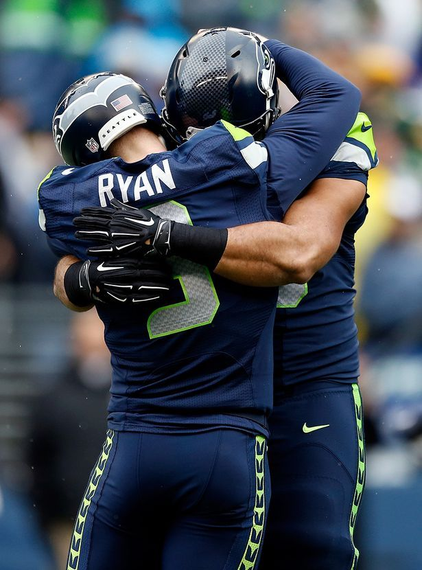 PHOTOS: Jon Ryan touchdown pass to Garry Gilliam, frame by frame