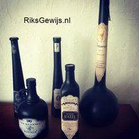 Bijna Halloween. Leuke spooky flesjes. #dhz, #Halloween #knutselen Kijk ook hoe ze gemaakt worden op mijn website.  http://riksgewijs.nl/kleine_projecten/Spooky_flesjes.html