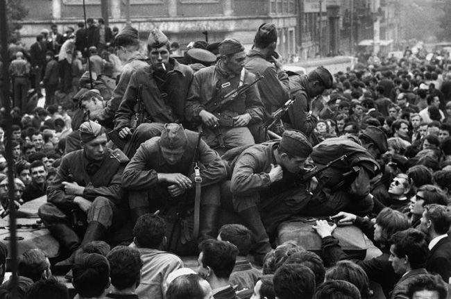 Josef Koudelka The Russian invasion of Prague - 68