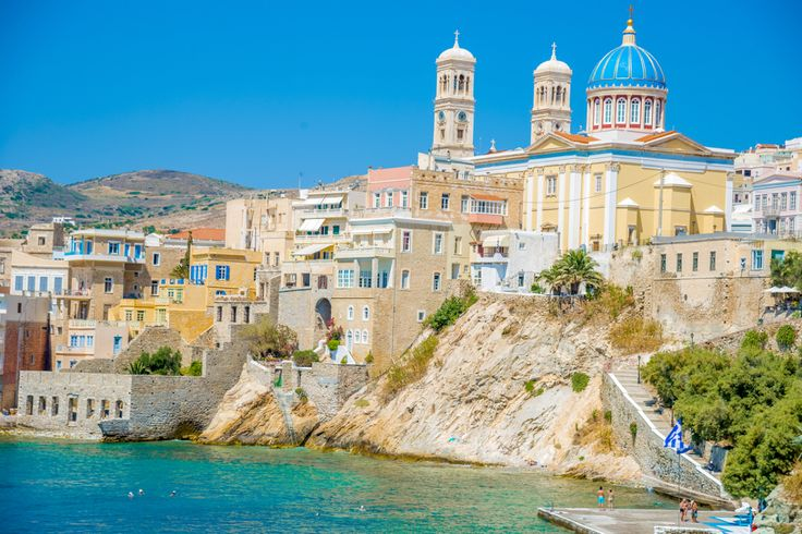 Syros Mayor Calls for More Ferry Connections