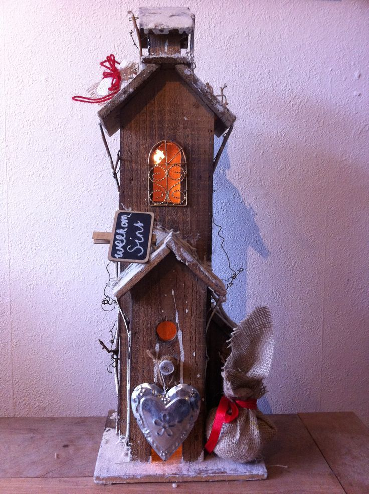 Sinterklaas decoratie. I have just the right wooden house for this. Going to put it up this year early and decorate it for Sinterklaas!