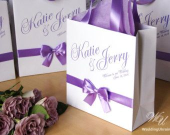 Hochzeit-Willkommen-Taschen mit Satinband und von WeddingUkraine