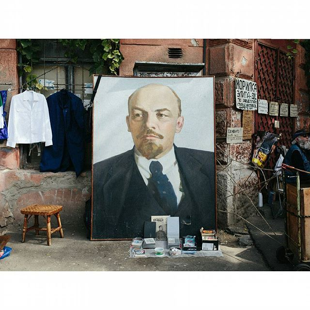 The #Lenin statue in #Odessa recently got a Darth Vader makeover, but here is another Lenin, sans-makeover, for sale at the street market.  By @chrisnunnphoto Odessa, #Ukraine September 2014