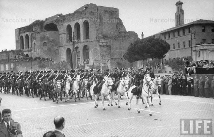 Roma Sparita - Via dei Fori Imperiali, 1948: foto d'epoca.
