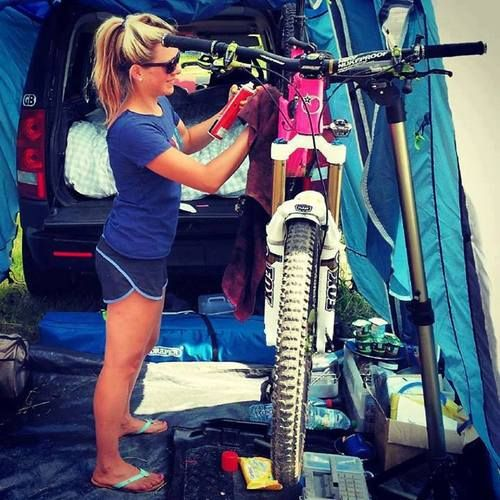 Hannah Barnes girl that mountain bikes is hott