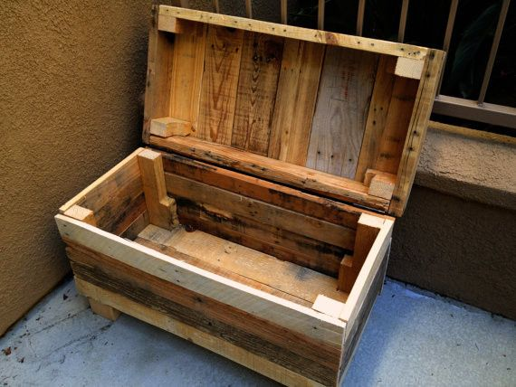 Rustic Chest: Rugged Style Handmade Pallet Wood Chest/Bench with a Mix of Natural Colors. Awesome piece.