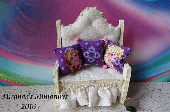 Frozen Dollhouse Miniature  Elsa & Anna by MirandasMiniatures