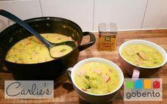 Pittige kerriesoep met broccoli, snel, voedzaam en gezond, passend in een koolhydraatarme dieet. Onderdeel van de koolhydraat arme weekmenu's op gobento.nl.