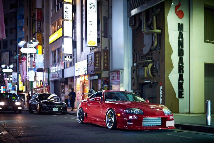 1990年代という日本のスポーツカー黄金期において、欠かせない存在がJZA80型のトヨタ・スープラだろう。