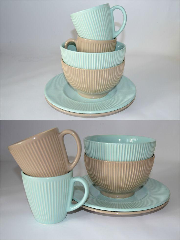 LIMPET SHELL -cветло-голубой +ICED COFFEE -серо-коричневый - два модных цвета, которые отлично компонуются между собой и располагают к созданию собственных коллекций. Эти эргономичные и симпатичные наборы для завтрака, несомненно, поднимут ваше настроение и украсят домашний интерьер.