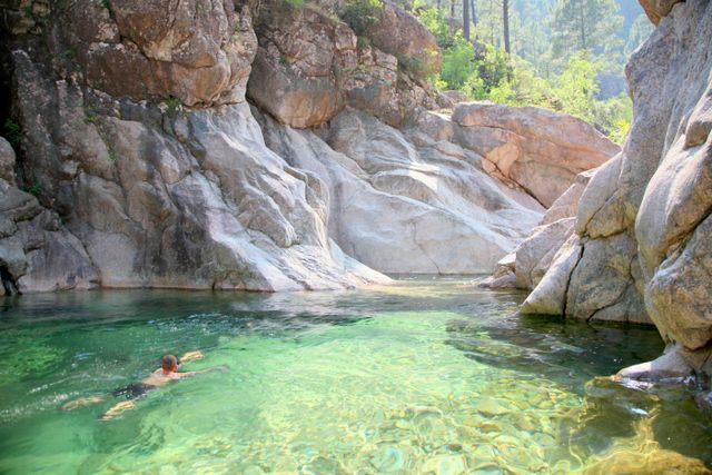 Languedoc - Baignades Sauvages France: Les plus beaux lacs, rivières, cascades et piscines naturelles de France - Baignades Sauvages France:...
