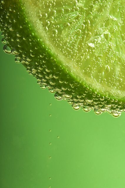 Common Uses: Lime Essential Oil has a crisp, refreshing citrus scent that has been used by aromatherapists for its uplifting and revitalizing properties. It can also act as an astringent on skin where it is reputed to help clear oily skin.