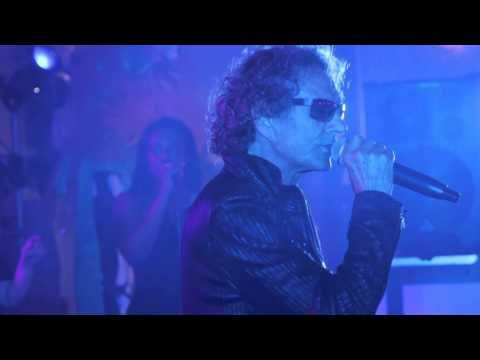 Mickey Thomas performs with the Celebrity All Star Band live at the 2015 Orange Gala in Houston, TX.