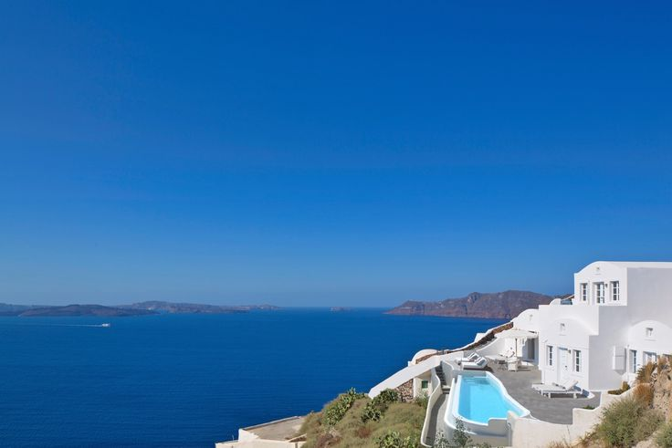 The views of the caldera in Santorini from the Canaves Oia Villa are simply breathtaking!