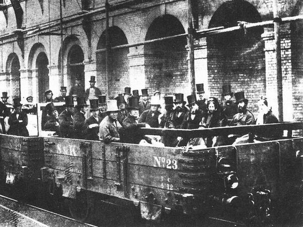El ferrocarril subterráneo de Londres en 1862.