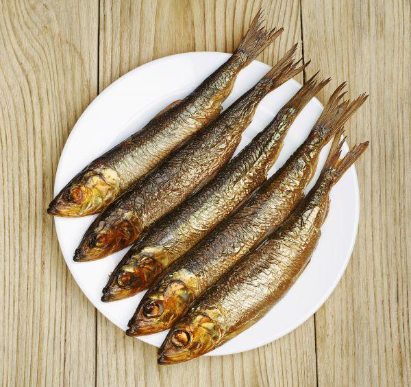 Pasta z wędzonej ryby rewelacyjnie smakuje podana na bagietce albo kromce chleba, czy jako samodzielnie zaserwowana przystawka. Jest prosta i szybka w przygotow...