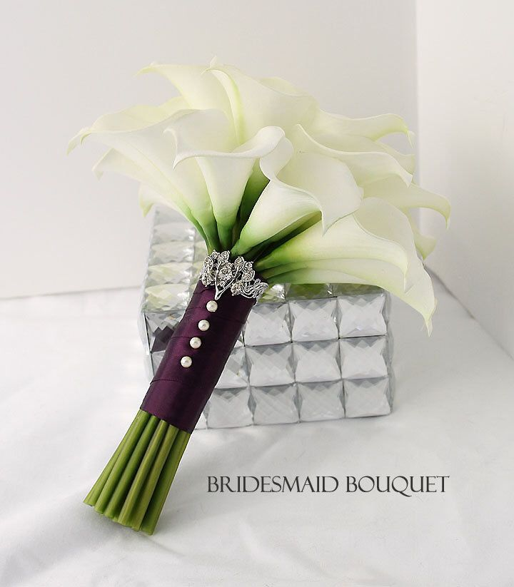 Bridesmaid Calla Lily Bouquet. Real Touch Creamy White Mini Calla Lilies Bouquet. Elegant Calla Lilies Bridesmaid Bouquet by BestForBrides on Etsy https://www.etsy.com/au/listing/219822462/bridesmaid-calla-lily-bouquet-real-touch