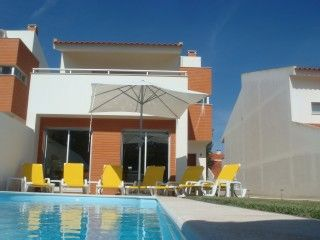 8 pers.Holidayhome near the beach,with swimming pool and jet stream.São MartinhoVacation Rental in Sao Martinho do Porto from @homeaway! #vacation #rental #travel #homeaway