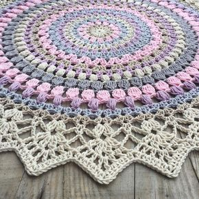 The Sunrise Mandala - free photo tutorial & pattern in English & Swedish @ Crochet Millan (scroll down for English)
