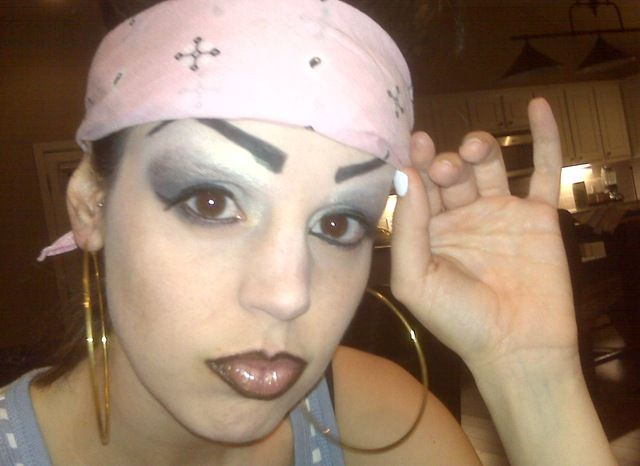 how to make own eyebrows