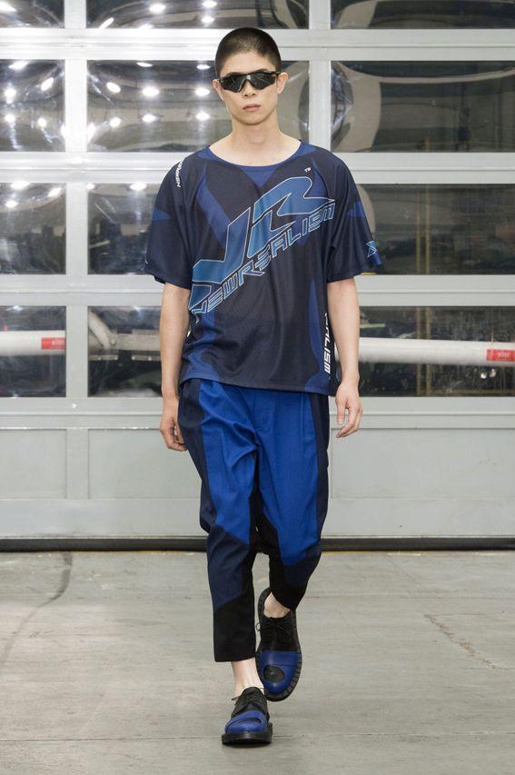 Mode à Paris S/S 2015 - Etudes Studio See all fashion show at: http://www.bookmoda.com/?p=19697 #spring #summer #SS #catwalk #fashionshow #menswear #man #fashion #style #look #collection #paris #fashionweek #etudesstudio