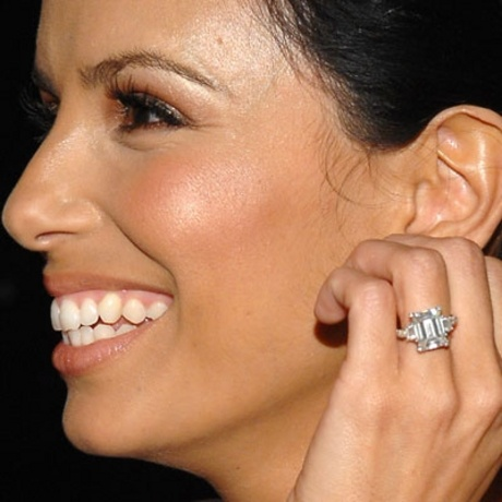 Eva Longoria Supports This Big Emerald Cut Iceberg
