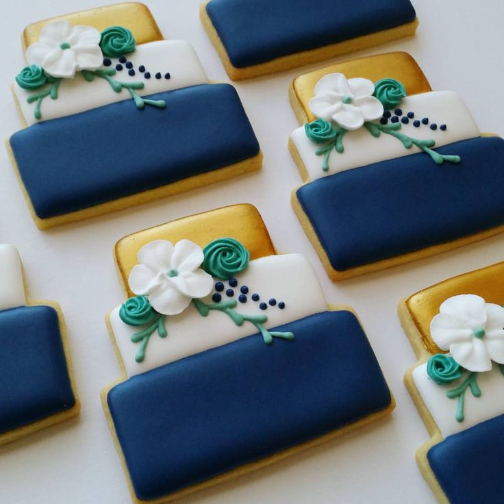 "48 Likes, 5 Comments - @mycookiecrumbled on Instagram: ""Time for a wedding..... #mycookiecrumbled #royalicingcookies #sugarcookies #royalicing…"""